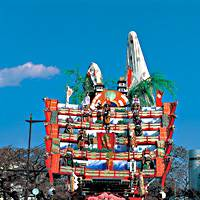 One of the highlights of the Hitachi Furyumono festival from Hitachi City, Ibaraki Prefecture, is a puppet play performed on a huge five layered float.