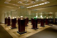 The Lalique Museum, Hakone, scheduled to open on March 19 in Hakone's Sengokuhara Heights, features an extensive collection of Rene Lalique, a masterof French jewelry and glass.