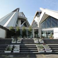 Learning zone: Izumi Crane Park Museum — a trove of information on all things crane.