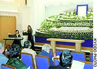 A funeral service featuring music is provided by Tokyo-based funeral business Kurashi no Tomo (Friend of Living).