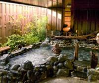 Metropolitan soak: Budget hotel chain Dormy Inn's Hacchobori hotel in Tokyo boasts an outdoor spa tub. | KYODO PHOTO