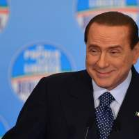 Berlusconi vows to refund money of property tax