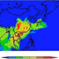 Hazardous smog: A computer projection by Kyushu University associate professor Toshihiko Takemura shows the spread of PM2.5 as of midnight Friday. Red zones indicate higher density. | KYUSHU UNIVERSITY/KYODO