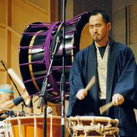 Back beat: Japanese-American musicians Kenny Endo (left) and Kaoru Watanabe play Japanese drums during the annual Music From Japan Festival in New York on Saturday. | KYODO