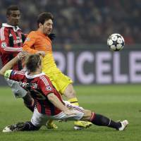 AC Milan stuns Barcelona; Galatasaray held by Schalke