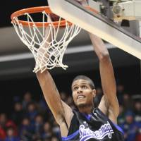 Big weapon: Center Jeral Davis is a primary reason that Shimane has swept the Ryukyu Golden Kings in four games this season. | SHIMANE SUSANOO MAGIC / BJ-LEAGUE