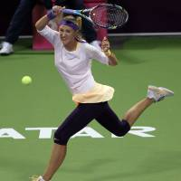 Azarenka, Serena reach final