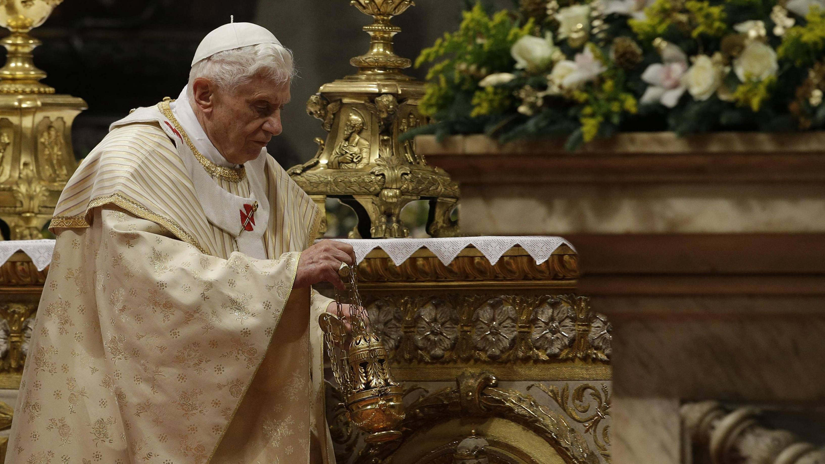 Pope Benedict XVI leads a Christmas Eve mass last year in the Vatican.  | Kyodo