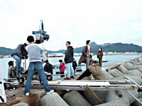 A movie crew prepares to film a scene from 'Sekai no Chushin de Ai wo Sakebu' in Kagawa Prefecture | PHOTOS COURTESY OF TOHO CO./TOKYO LOCATION BOX