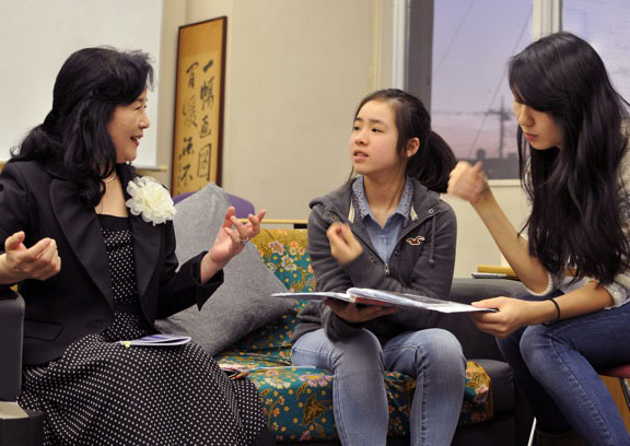 Keiko Hangui shares her story with ASIJ students Risa Endo and Ellie Nishikawa-Fu.
