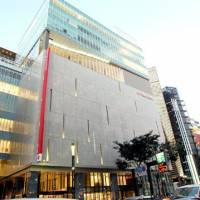Slump buster?: Mitsukoshi's recently renovated department store in Tokyo's bustling Ginza shopping district boasts increased floor space. | KAZUAKI NAGATA PHOTO