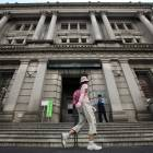 Avoid buying foreign currency bonds, BOJ told