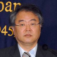 BOJ should cede right to set inflation target: Abe adviser
