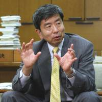 Short-listed: Takehiko Nakao, vice finance minister for international affairs and the likely candidate to replace Asian Development Bank chief Haruhiko Kuroda, is interviewed in October. | BLOOMBERG