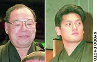 Sumo Stablemaster Tatsunami (right) has been told by a court that he does not have to pay 175 million yen to his father-in-law and former master of the stable, the elder Tatsunami (left), over the inheritance of the stablemaster title.