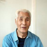 Kanji Murakami, 92, speaks about his experience as a reporter in Korea and Manchuria during the war in an interview last month in Tokyo. | SETSUKO KAMIYA PHOTO
