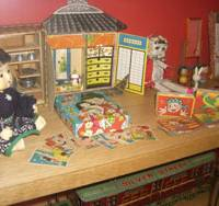 Yesteryear fun: Antique Japanese toys are among the items on display at the Tokyo Toy Museum. | SAYURI DAIMON PHOTO