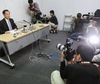 Unapologetic: Former Air Self-Defense Force Chief of Staff Gen. Toshio Tamogami faces reporters last week after being dismissed for a controversial essay on Japan's wartime role. | KYODO PHOTO