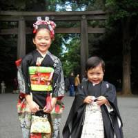 Rites of passage: Aoi Naito, 7, and her brother, Kaoru, 4, visit Meiji Shrine in Tokyo last November for the 'shichigosan' (7-5-3) ritual. | COURTESY OF ASUKA NAITO