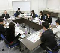 Trial run: Three professional judges and six lay judges deliberate during a practice trial at the Tokyo District Court in February. | KYODO PHOTO
