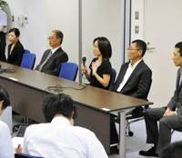Job done: The nation's first lay judges face the media during a news conference Thursday at the Tokyo District Court after they found a 77-year-old man guilty of murder. | KYODO PHOTO