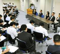 Debriefing: Some of the citizens who served on the first lay judge case held at the Tokyo District Court are interviewed by the media after convicting a 72-year-old man of homicide and sentencing him to 15 years on Aug. 6. | KYODO PHOTO