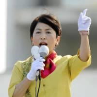 Hunting for votes: Social Democratic Party leader Mizuho Fukushima kicks off campaigning for the Lower House election in Ginowan, Okinawa Prefecture, on Aug. 18. | KYODO PHOTO