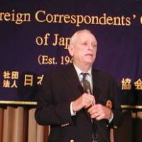 Point of view: Ric O'Barry, a dolphin rights activist, speaks at the Foreign Correspondents' Club of Japan on Friday evening. | MINORU MATSUTANI