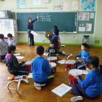 Fukushima evacuee kids made welcome in Saitama school