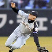 Big loss: Fighters center fielder Hichori Morimoto, the team's dependable leadoff hitter, is expected to be sidelined for a month due to a broken left pinkie. | KYODO PHOTO