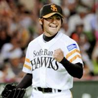 Hooray for May: Softbank pitcher Toshiya Sugiuchi went 4-0 with a 0.86 ERA in five starts last month. | KYODO PHOTO