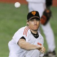 Staff ace: Giants hurler Seth Greisinger won a team-best 17 games in 2008, helping Yomiuri reach the playoffs. The Giants face the Dragons in Game 1 of the second stage of the CLCS on Wednesday. | KYODO PHOTO