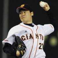 Sweet home: Yomiuri starter Hisanori Takahashi earns his first home win of the season in the Giants' 6-2 victory over Orix at Tokyo Dome on Monday. | KYODO PHOTO