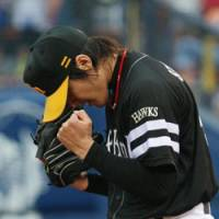 Primed for a showdown: Toshiya Sugiuchi, one of Japanese baseball's top pitchers, is expected to lead the charge for the Hawks in the first stage of the Climax Series. | KYODO PHOTO