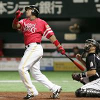 Steady production: Hawks veteran Jose Ortiz, who leads the Pacific League with 20 home runs, believes regular playing time is a key to his success. | KYODO PHOTO