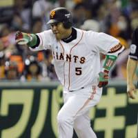 Power threat: Alex Ramirez leads the Yomiuri Giants with nine home runs this season. | KYODO PHOTO