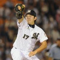 Going the distance: Marines pitcher Yoshihisa Naruse throws a complete game in earning the 5-3 victory over the Fighters on Tuesday night. | KYODO