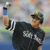 Forget the past: PL batting champion Seiichi Uchikawa is hoping to help the Hawks finally get things right this postseason.   KYODO