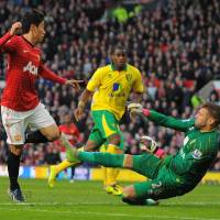 Kagawa's time at United will come, ex-England striker Cole says