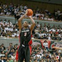 Mikey Marshall, who joined the Osaka Evessa this season after a stellar performance in 2006-07 while playing for the Oita HeatDevils, averaged 24.8 points per game in December. | OSAKA EVESSA PHOTO
