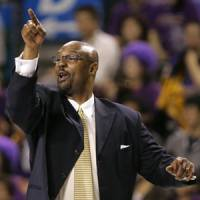 Big job ahead: Joe Bryant, bench boss of the bj-league's Tokyo Apache for four seasons, is set to return to Japan as the coach of the JBL's Rera Kamuy in Sapporo. | AP PHOTO