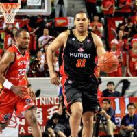 Big step up: Osaka forward Ryan Blackwell will become the new head coach of the Evessa, according to multiple bj-league sources. | YOSHIAKI MIURA PHOTO
