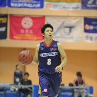 Tough as nails: Rizing Fukuoka guard Akitomo Takeno, who has to battle with bigger players every game, says his trademark on the court is aggressiveness. | Y.SASAKI/RIZING FUKUOKA/BJ-LEAGUE