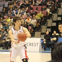 Getting there: Osaka Evessa guard Masashi Obuchi is working into game shape after missing most of last season with a serious knee injury. | HIROKO IWASA