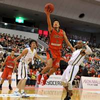Slow start: Kensuke Tanaka and the Chiba Jets have stumbled to a 3-5 record out of the gate this season. | YOSHIAKI MIURA