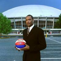 Leading by example: Oita HeatDevils coach Brian Rowsom, a former NBA player, reminds his players that aggressive, hard-nosed play are key ingredients for success. | BRIAN ROWSOM