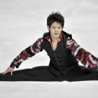 Still learning: Takahiko Kozuka, who won two Grand Prix events this season, continues to refine his form while training with world champion Mao Asada. | KYODO PHOTO