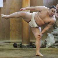 Back to the wall: Yokozuna Asashoryu, who was plagued by injuries last year, is faced with the reality that his sumo career could soon be over. | KYODO PHOTO