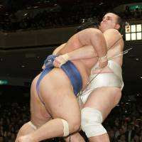 Baruto wins New Year basho