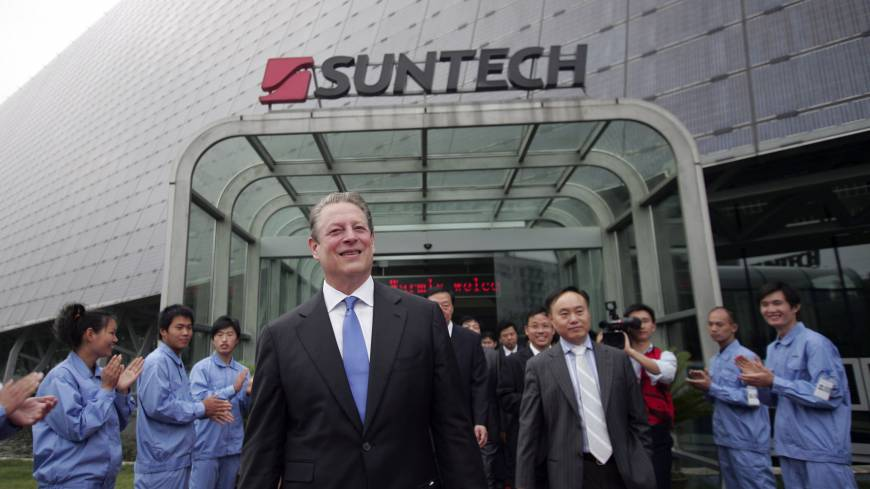 Fading fortunes: Former U.S.  Vice President Al Gore visits a Suntech solar cell factory near Shanghai in June 2010.